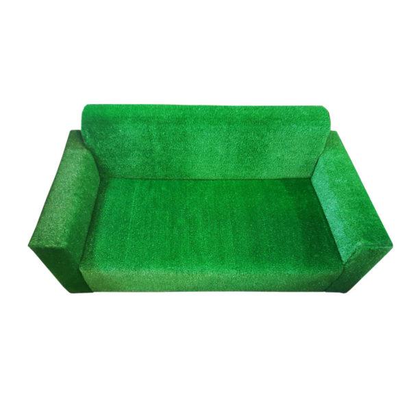 Диван зеленый газон