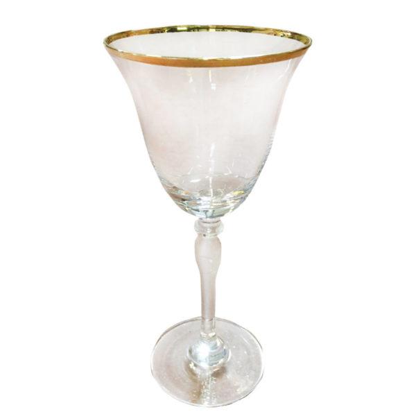 бокал с золотой каймой